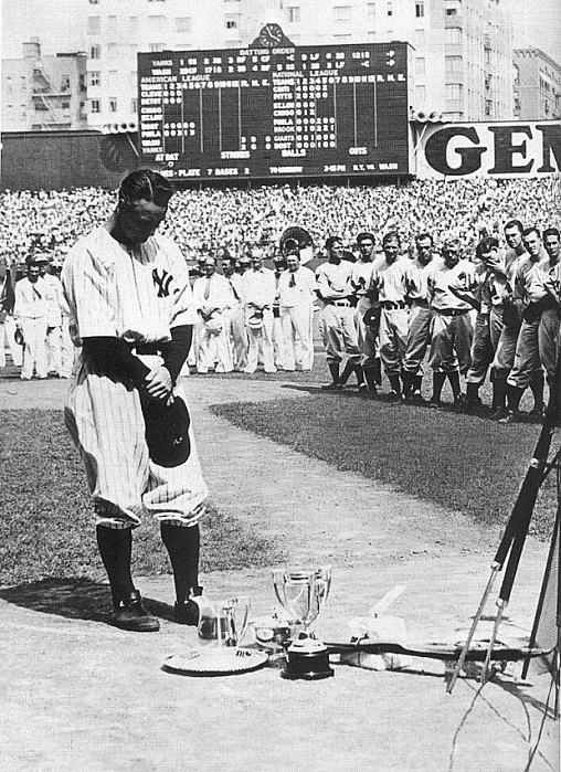 lou gehrigs farewell speech After announcing his retirement on june 21, gehrig made his famous speech in  front of more than 60,000 fans between games of a double.